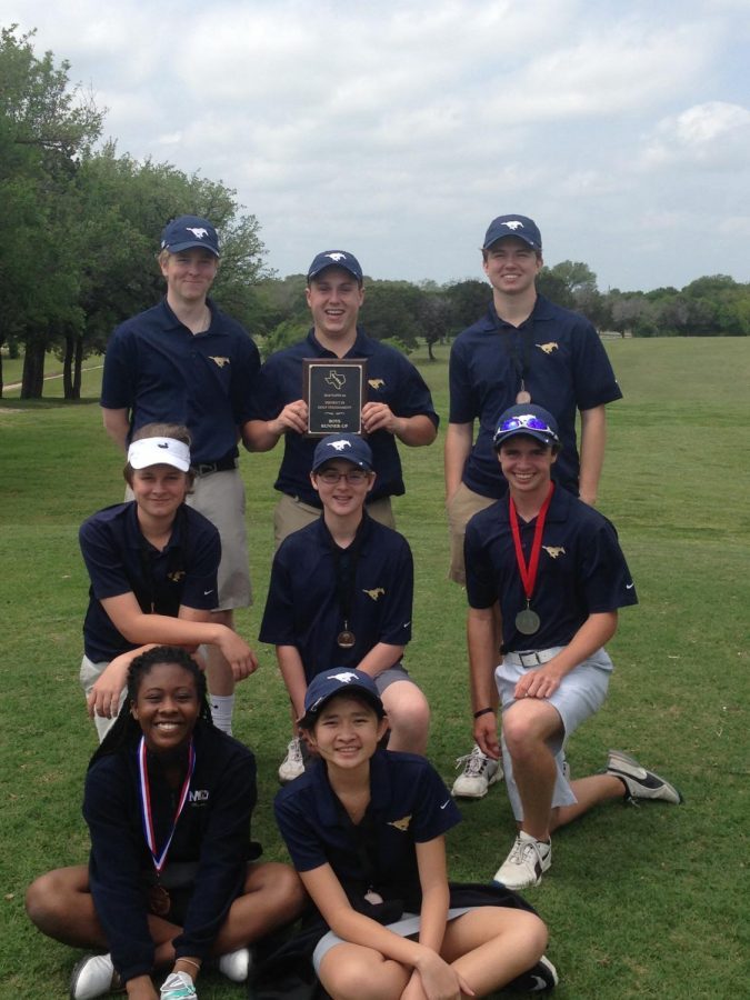 The Varsity Golf team gets together to take a picture after their last TAPPS tournament at Lake Waco Golf Club