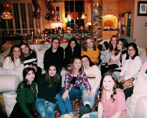 Some freshman girls celebrate Friendsgiving together.