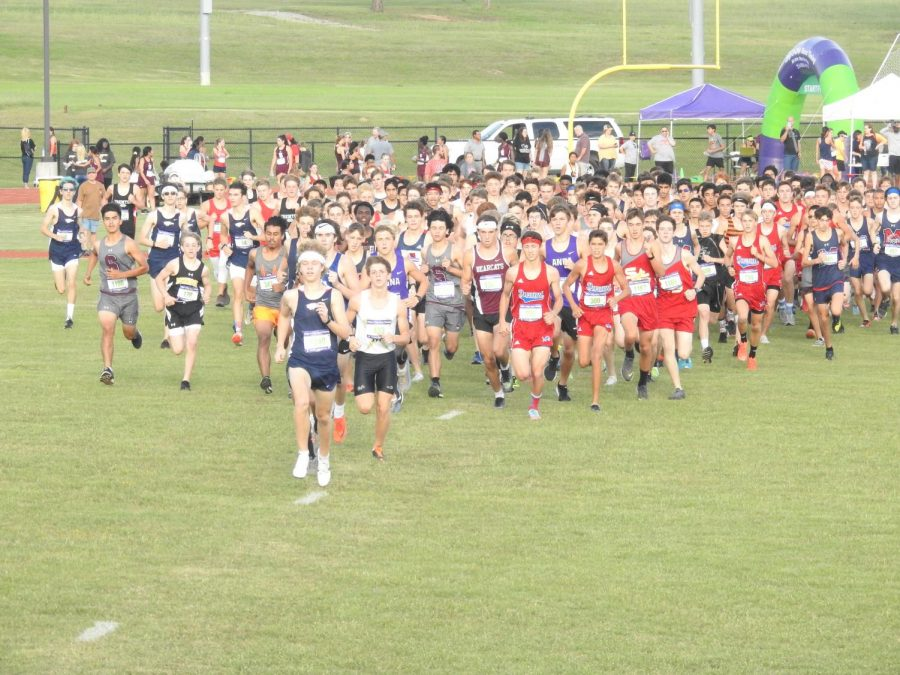 Varsity Men's start off as they begin the Denison Invitational.