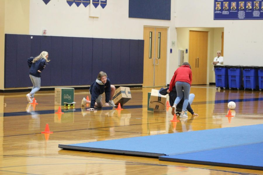 The juniors and seniors race against each other in the relay.