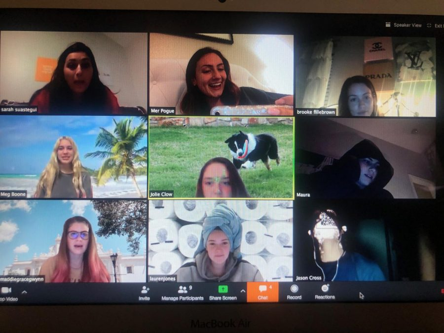 A+group+of+senior+girls+catching+up+over+a+zoom+call.+