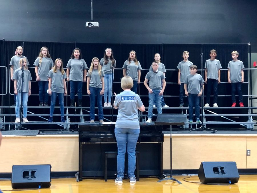 Middle School Choir sings harmoniously.