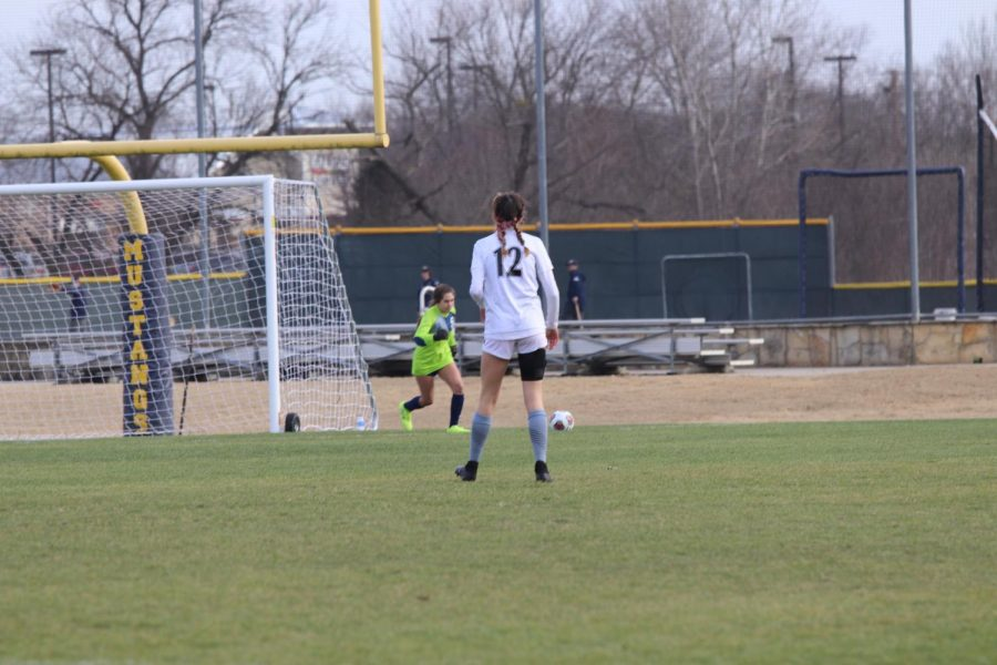 Sophomore Alexa Harriman kicks the goal kick