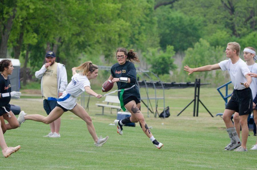 Sophomore Kate Nordhaus scrambles past a defender.