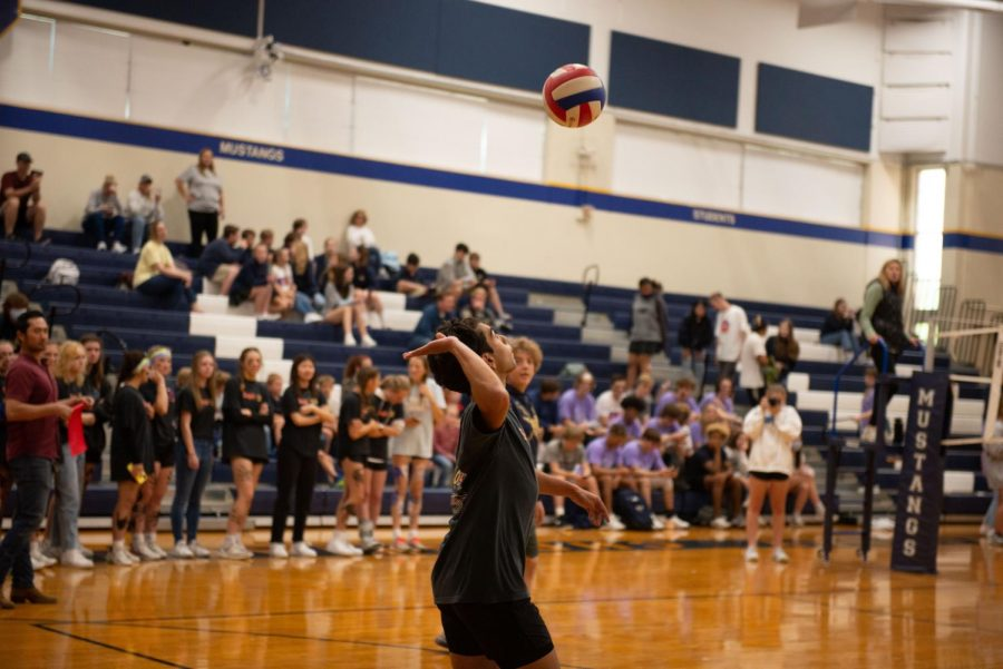 Sophomore Emilio Sanchez serves the ball.