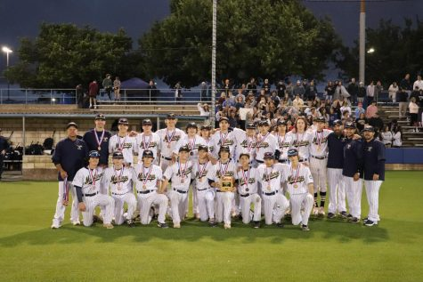 The MCA Varsity Baseball team gathers for a picture after a good game.